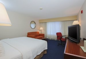 Room - Courtyard by Marriott Hotel Topeka
