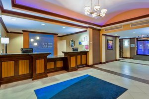 Lobby - Holiday Inn Express Hotel & Suites Salina