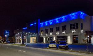 Exterior view - Hotel Dauphin Drummondville