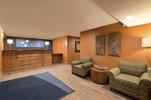 Lobby - Holiday Inn Express Hotel & Suites Fraser
