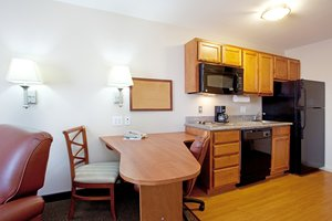 - Candlewood Suites Sulphur