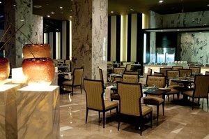 Restaurant - LA Hotel Downtown