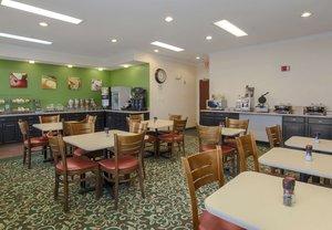 Restaurant - Fairfield Inn by Marriott Uniontown