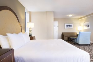 Suite - DoubleTree by Hilton Hotel Riverfront Jacksonville