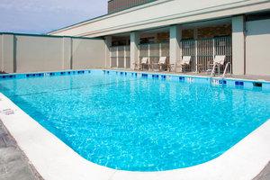 Pool - Holiday Inn Express Springfield