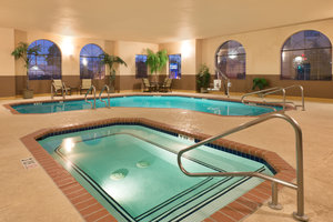 Pool - Holiday Inn Express Show Low