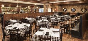 Bar - Radisson Hotel Roseville