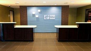 Lobby - Holiday Inn Express Hotel & Suites Northeast Wichita