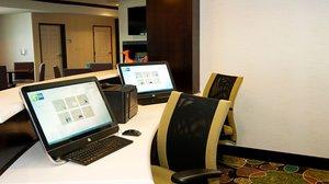 proam - Holiday Inn Express Hotel & Suites Northeast Wichita