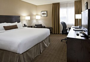 Room - Delta Hotel by Marriott Airport Calgary