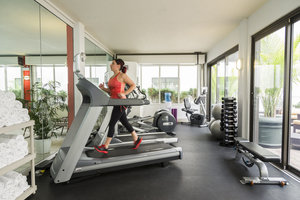 Fitness/ Exercise Room - Courtyard by Marriott Hotel Ottawa