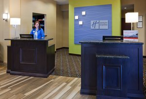 Lobby - Holiday Inn Express Hotel & Suites Fort Dodge