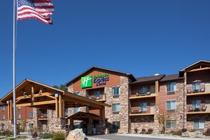 Exterior view - Holiday Inn Express Hotel & Suites Custer