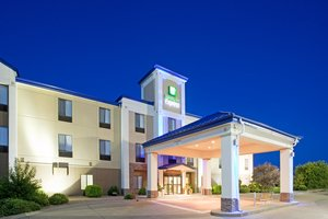 Exterior view - Holiday Inn Express Hotel & Suites Garden City