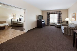 Suite - Holiday Inn Express Hotel & Suites Fort Collins