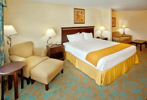 Suite - Holiday Inn Express Hotel & Suites Altoona