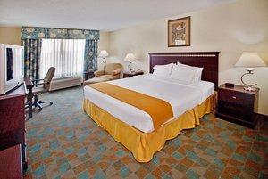 Room - Holiday Inn Express Hotel & Suites Altoona
