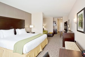 Room - Holiday Inn Express Hotel & Suites Hays