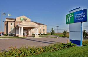 Exterior view - Holiday Inn Express Hotel & Suites Airport Wichita