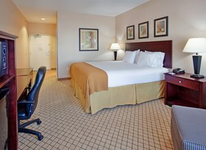 Room - Holiday Inn Express Hotel & Suites Airport Wichita