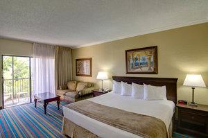 Room - Boca Raton Plaza & Suites