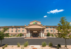 Exterior view - Holiday Inn Express Hotel & Suites Brighton