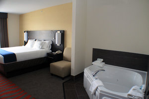 Room - Holiday Inn Express Hotel & Suites Bradford