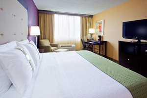 Room - Holiday Inn Hotel & Suites Parsippany