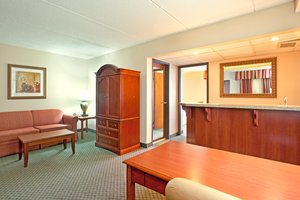 Suite - Holiday Inn Express Wauwatosa