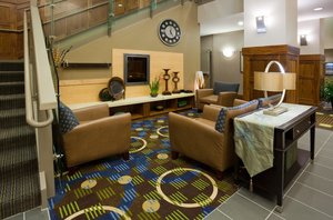 Lobby - Holiday Inn Express Hotel & Suites Mankato