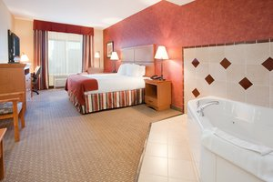 Suite - Holiday Inn Express Hotel & Suites Loveland