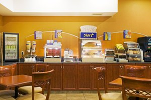 Restaurant - Holiday Inn Express Hotel & Suites Grande Prairie