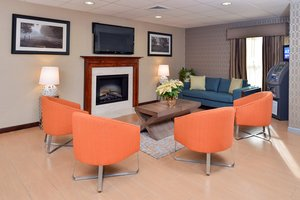 Lobby - Holiday Inn Express North Attleboro