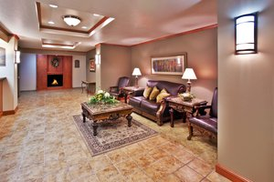 Lobby - Holiday Inn Express Hotel & Suites Le Mars