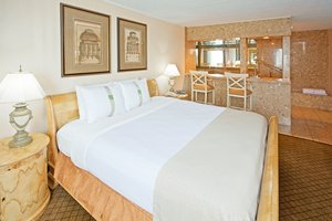 Suite - Holiday Inn Carteret