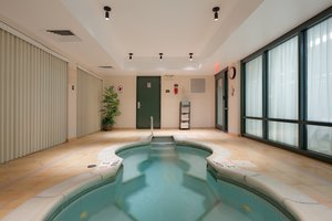 Pool - Holiday Inn Express Auburn