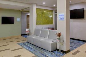 Lobby - Holiday Inn Express Hotel & Suites Carlstadt