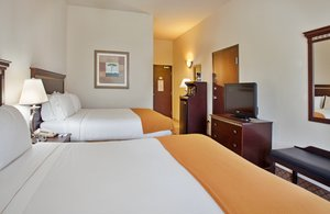 Room - Holiday Inn Express Hotel & Suites McPherson