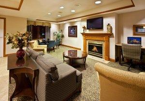 Lobby - Holiday Inn Express Pella