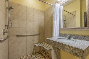 - Holiday Inn Express Hotel & Suites El Dorado