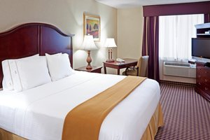 Suite - Holiday Inn Express Paramus