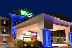 Exterior view - Holiday Inn Express Hotel & Suites Drums