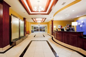 Lobby - Holiday Inn Express Hotel & Suites Reno