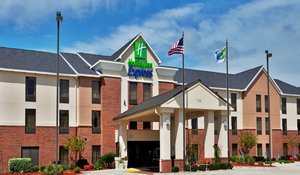 Exterior view - Holiday Inn Express Hotel & Suites Sulphur