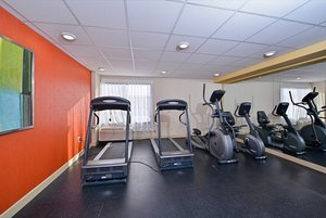 Fitness/ Exercise Room - Holiday Inn Express Aurora