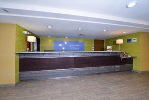Lobby - Holiday Inn Express Aurora
