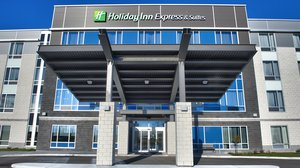 Exterior view - Holiday Inn Express Hotel & Suites Vaudreuil