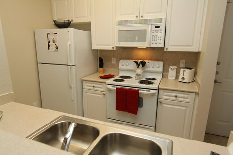 Raleigh Furnished Apartment Kitchen
