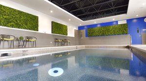 Pool - Holiday Inn Express Hotel & Suites Vaudreuil