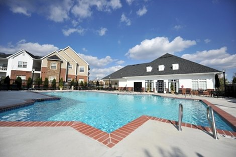 Exterior Clubhouse Pool